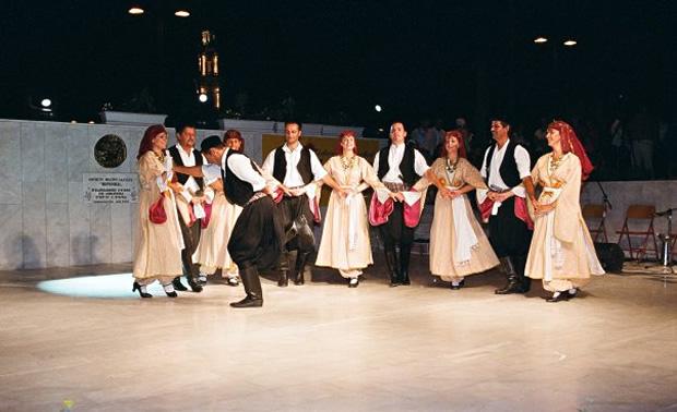 sirtaki-dansi